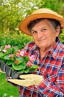 Senior woman _ gardening