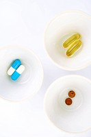 Capsules in bowls