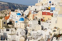 Greece, View of classical whitewashed church in Oia village (thumbnail)