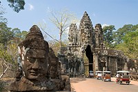 South Gate, Angkor Thom, Angkor Archaeological Park, UNESCO World Heritage Site, Siem Reap, Cambodia, Indochina, Southeast Asia, Asia