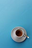 espresso vor blau