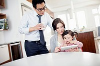 Parents with daughter 2_3 in morning
