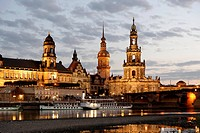 Augustus Bridge at dusk, old town of Dresden with the Elbe river, Florence of the Elbe, Saxony, Germany, Europe