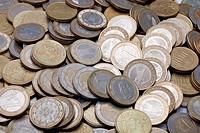 Viele Euromünzen _ Nahaufnahme