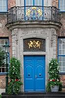 Eingangsportal vom Düsseldorfer Rathaus