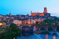 Albi, River Tarn, Cathedral of Saint Cecilie, Tarn, Midi-Pyrenees, France, Europe