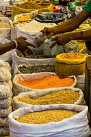India, Madhya Pradesh, Mung Dal, urid dal and other types of lentils for sale on market