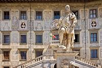 Piazza dei Cavalieri, statue of Cosimo I