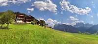 Old mountain farms above S. Magdalena on the Bergbauernweg trail, Villnoesstal valley, province of Bolzano-Bozen, Italy, Europe