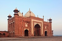 India, Uttar Pradesh, Agra, View of Taj Mahal
