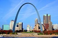 St  Louis Arch Gateway to West Missouri