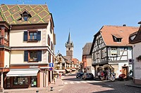 Fachwerkhaeuser in der Altstadt von Obernai ,Half_timbered houses in the old town of Obernai,