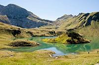 Germany, Bavaria, Hikers on Schrecksee Lake