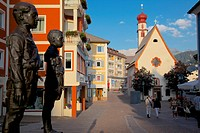 Street sculpture and Little Church, Ortisei, Gardena Valley, Bolzano Province, Trentino_Alto Adige/South Tyrol, Italian Dolomites, Italy, Europe