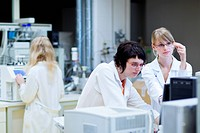 female researchers carrying out research in a lab