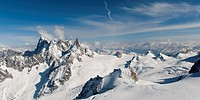Rugged Peaks On A Snow Covered Mountain Range, Chamonix_Mont_Blanc Rhone_Alpes France