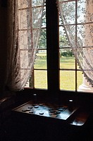 Window,curtains and checkers,Oak Alley Plantation Mansion, Mississippi River, community of Vacherie, Louisiana, USA, North America