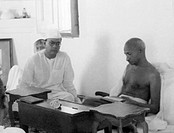 Subhash Chandra Bose and Mahatma Gandhi , New Delhi , 1938 , India NO MR