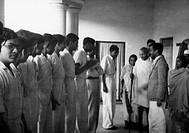 Mahatma Gandhi , meeting a group of young men , 1945 , India NO MR