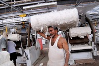 Mill workers working in textile mill , Bombay now Mumbai , Maharashtra , India NO MR