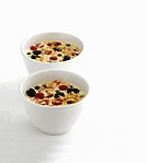 Yoghurt muesli with berries