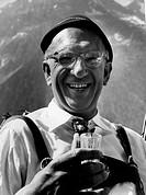 Finck, Werner 2.5.1902 _ 31.7.1978 interpret. Actor and cabaret artist, Portrait from film, leather pants leather pants Sepplhut