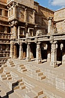 Rani ki vav ; step well ; stone carving ; Patan ; Gujarat ; India