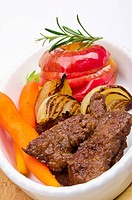 roasted liver with vegetables and apple