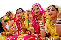Girls in traditional Rajasthani dress , Jodhpur , Rajasthan , India NO MR