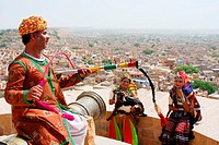 Folk singer´s family at Golden fort of Jaisalmer , Rajasthan , India MR704