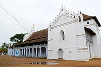 Champakulam kalloorkadu saint mary forane church was founded by saint thomas  apostle himself at Valia Palli near Alappuzha ; Kerala ; India