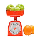 Kitchen scale weighting apples