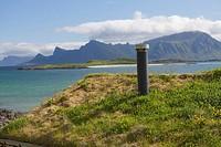 Grasdach mit Schornstein, Lofoten, Norwegen, Krystad