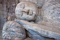 Reclining Buddha in Gal Vihara, Polonnaruwa. Sri Lanka, Polonnaruwa. (/Julien Garcia)
