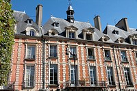 Place Des Vosges, Paris, France