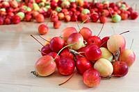 pile apples