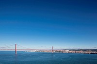 Portugal, Lisbon, View of 25 de Abril Bridge at River Tagus