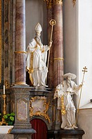 Figures of the Church Fathers Augustine and Jerome, right, by Anton Sturm, on the high altar, Parish Church of St. Michael, Sonthofen, Oberallgaeu, Al...