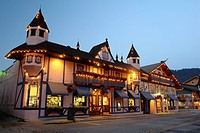 Leavenworth, WA, Washington, Bavarian Alpine Village, evening