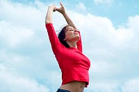 woman stretching under free sky. - 14/05/2007