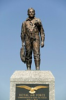 Great Britain, England, Devon, Plymouth, Plymouth Hoe, Second World War Air Force memorial statue of soldier