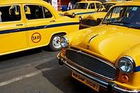 Yellow Ambassador taxis, Kolkata, West Bengal, India, Asia