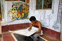 Artist painting, Raghurajpur, Orissa, India.