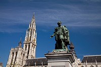 Cathedral of Our Lady Onze_Lieve_Vrouwekathedraal and Statue of Rubens