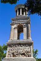 Cenotaph of Glanum, roman ruins in Saint-Remy-de-Provence, Arles district, Bouches-du-Rhône department, Provence-Alpes-Côte d´Azur region, France, Eur...