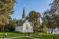 St. Mary´s Episcopal Church was built in 1879 along the banks of the St. Johns River in Green Cove Springs, Florida.