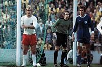 football, Bundesliga, 1975/1976, Stadium an der Castroper Strasse, VfL Bochum versus Hamburger SV 0:3, goal box scene, f.l.t.r. Horst Blankenburg (HSV...