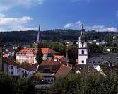 D-Erbach (Odenwald), Muemling, Odenwald, Naturpark Bergstrasse-Odenwald, Hessen, Stadtpanorama mit Schloss der Grafen zu Erbach-Erbach und evangelisch...