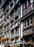 D-Bernkastel-Kues, Mosel, Rheinland-Pfalz, blumengeschmueckte Fachwerkhaeuser am Marktplatz, D-Bernkastel-Kues, Moselle, Rhineland-Palatinate, flower ...