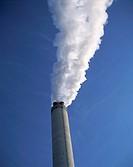 Umwelt, Industrie, Fabrik, Schornstein, Rauch, Abgase, rauchender Schornstein, qualmender Schornstein environment, industry, factory, chimney, smoke, ...